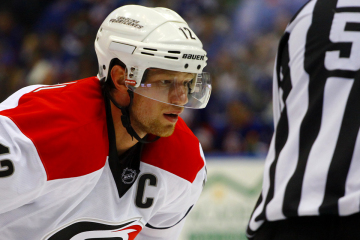 Eric Staal waits for the puck drop.(Brandon Titus/Inside Hockey)