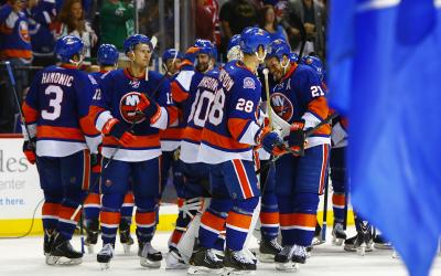 NY Islanders celebrate their shootout win over the NJ Devils at the Barclay's Center.(Brandon Titus/Inside Hockey)