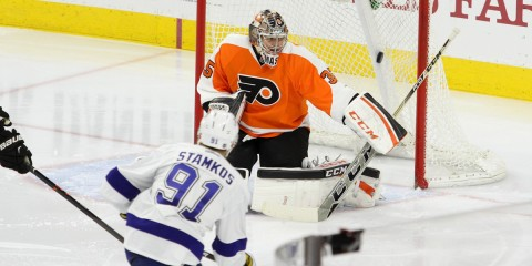 Center Steven Stamkos (#91) of the Tampa Bay Lightning scores on Goalie Steve Mason (#35) of the Philadelphia Flyers to tie up the game