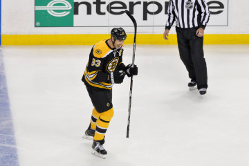 Boston Bruins defenseman Zdeno Chara (33) celebrating his first period goal.