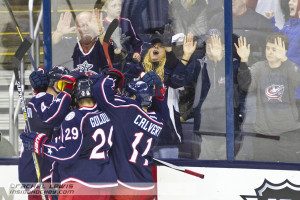 William Karlsson (CBJ - 25) celebrates his second goal of the game with teammates.