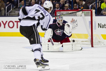 Sergei Bobrovsky (CBJ - 72) makes a save against Tyler Toffoli (LA - 73).