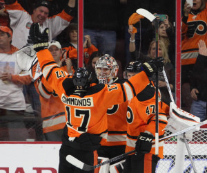 Wayne-Simmonds_1200x520_Bob-Fina