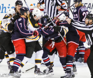 A scuffle breaks out amongst Blue Jackets and Bruins players.